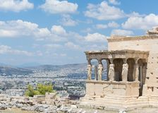 DE GRIEKSE KOLOMMEN ATHENE RUÏNEERT LANDSCHAP stock fotografie