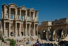 De Griekse ruïnes van de Bibliotheek in Ephesus Stock Foto