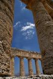 De Griekse tempel van Segesta, Sicilië Stock Afbeeldingen
