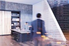 De grijze hoek van het managerbureau, gestemde boekenkast Royalty-vrije Stock Fotografie