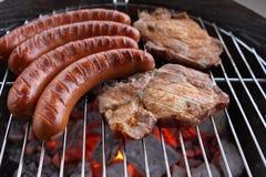De Grill van de barbecue Stock Afbeeldingen
