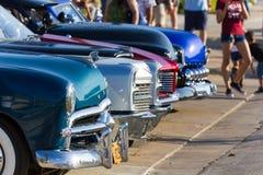 De grills van vijf oude auto's Stock Foto