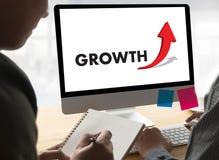 De GROEI van zakenmansuccess increase verbetert Uw Vaardigheden en Mak stock afbeelding