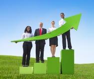 De groeigrafiek van het bedrijfsmensensucces Stock Foto's