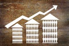 De groeiverkoop van huizen Stock Afbeeldingen
