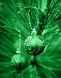 De groene Bollen van Kerstmis Royalty-vrije Stock Afbeeldingen