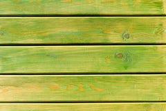 De groene geschilderde houten geweven achtergrond van het plankenclose-up royalty-vrije stock foto