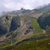 De groene Helling van de Ski Stock Afbeeldingen