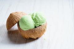 De groene lepels van het kleurenroomijs Royalty-vrije Stock Fotografie