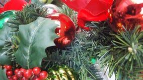 De groene Rode Achtergrond van Pijnboomkerstmis Stock Afbeelding