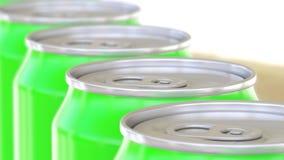 De groene transportband van aluminiumblikken Frisdranken of bierproductielijn Recycling verpakking het 3d teruggeven Royalty-vrije Stock Afbeelding