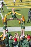 De groene Verpakkers Cheerleaders van de Baai bij Gebied Lambeau Royalty-vrije Stock Foto