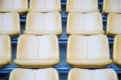 De groene zetels van het stadion Stock Afbeeldingen