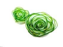 De groente is gesneden in vorm van bloemenrozen van Japanse komkommer Royalty-vrije Stock Afbeelding