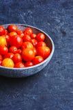 De groenten in het zuur van de kersentomaat Royalty-vrije Stock Afbeeldingen