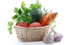 De groenten zijn vers in een mand Stock Afbeelding