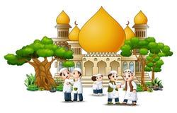 De groep het moslimmensenbeeldverhaal schudden dient voorzijde van een moskee in stock illustratie