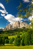 De groep van de Cristalloberg dichtbij Cortina-d'Ampezzo, Italië Stock Foto's