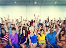 De groepsmensen overbevolken het Vrijwilligersconcept van de Samenwerkingssuggestie royalty-vrije stock foto