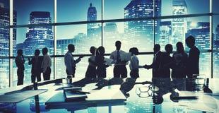 De groepsmensen silhouetteren Communicatie Bureauconcept Stock Fotografie