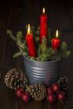 De groetkaart van Kerstmis met kaarsen Royalty-vrije Stock Afbeeldingen