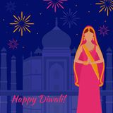 De groetkaart van de vakantie Licht festival van India Gelukkige Diwali Vrouw in Indische Sari Taj Mahal-vuurwerk royalty-vrije illustratie