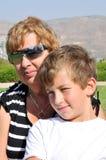De grootmoeder en de kleinzoon Royalty-vrije Stock Afbeelding
