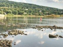 De grootste Tsjechische rivier Elbe uit water Niveau 0 8m royalty-vrije stock afbeeldingen
