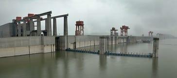 De Grootste Waterkrachtcentrale in de Wereld - Drie Klovendam op Yangtze-rivier in China stock foto