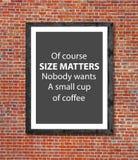 De grootte is koffie in omlijsting wordt geschreven die van belang Royalty-vrije Stock Foto