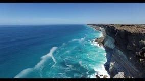 De Grote Australische Bocht op de Rand van de Nullarbor-Vlakte stock footage