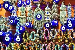 De Grote Bazaar van Istanboel - Turkse Blauwe Ogen (Nazar) stock afbeeldingen
