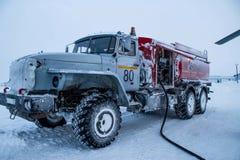 De grote brandstof van de vrachtwagenwinter Stock Foto's