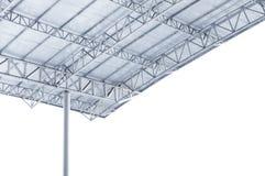 De grote bundel van de staalstructuur, dakkader en metaalblad in de bouw stock foto's