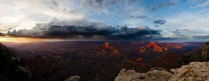 De Grote Canion Colorado de V.S. van de zonsondergang Royalty-vrije Stock Afbeeldingen