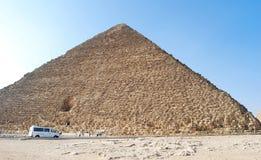 De grote Cheops-Piramide in Kaïro, Egypte stock fotografie