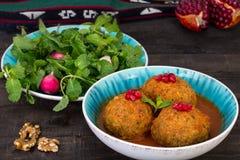 De Grote die Vleesballetjes van Kooftehtabrizi met Droge Vruchten, Berri worden gevuld Stock Fotografie