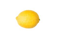 De grote gele citroen ligt op een blauwe plaat op een gele achtergrond Stock Foto