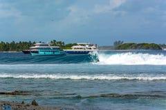 De Grote Golven van de Maldiven stock afbeelding