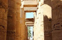 De grote Hypostyle Zaal van de Tempel van Karnak. Stock Foto's