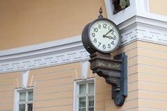 De grote klok op de muur De ruimte van het exemplaar Royalty-vrije Stock Fotografie