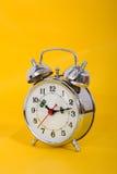 De grote klok verzekert omhoog kielzog Royalty-vrije Stock Foto's