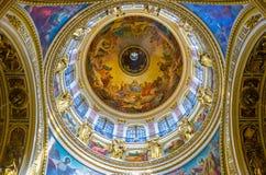 De grote koepel van St Isaac Kathedraal in St. Petersburg Stock Foto