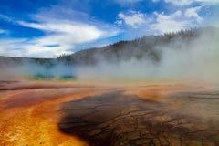 De grote Prismatische Lente binnen Yellowstone stock foto