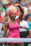 De grote Slagkampioen Serena Williams viert overwinning na vierde ronde gelijke bij US Open 2014 Royalty-vrije Stock Foto