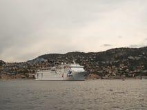 De Grote Vakantie van Ibero van het cruiseschip in de Villefranche-lagune stock fotografie