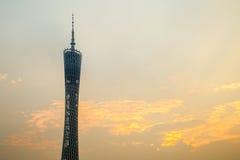 De Guangzhoustad, de Toren van de Parelrivier in Guangzhou en de kleur van de hemel betrekken Royalty-vrije Stock Afbeeldingen