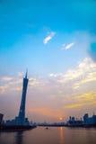 De Guangzhoustad, de Toren van de Parelrivier in Guangzhou en de kleur van de hemel betrekken Royalty-vrije Stock Foto