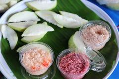 De guave is een fruit dat gemakkelijk is te kopen Smakelijk, kan lange tijd worden opgeslagen Geschikt om honger te brengen royalty-vrije stock foto