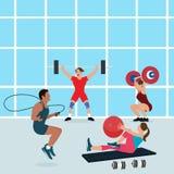 De gymnase de personnes de séance d'entraînement santé de femme d'homme d'exercice de centre de fitness ensemble adaptée à l'inté Images libres de droits